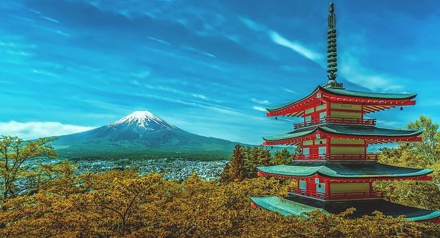 Tempio e monte Fuji