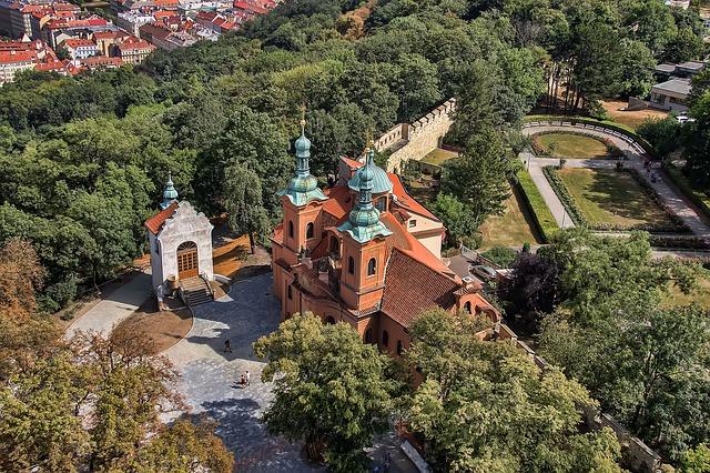 Praga, Collina Petrin