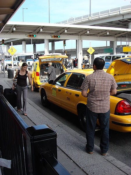 taxi da jfk a manhattan costo