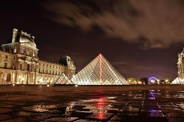 Visita Parigi