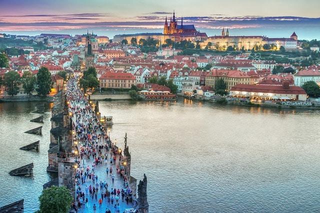 Ponte Carlo Praga leggende