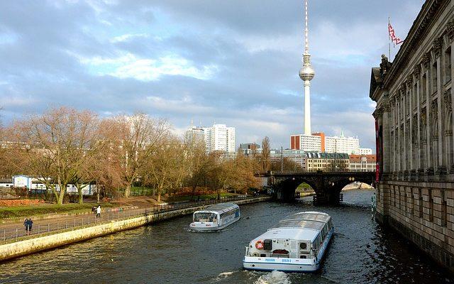 Fernsehturm La Torre della Televisione di Berlino