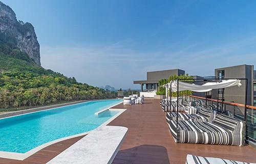 Piscina sul tetto del Panan Krabi Resort