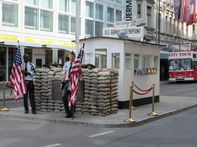 Check Point Charlie di Berlino