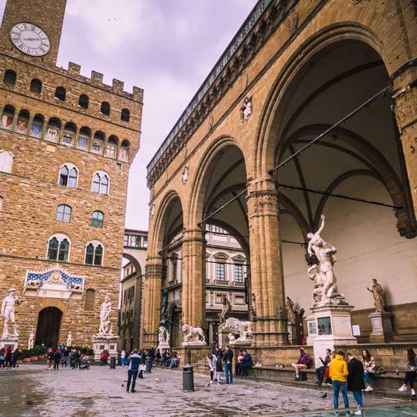Cosa vedere a Firenze - Piazza della Signoria, Loggia dei Lanzi